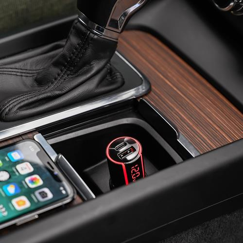 ultra-fast-car-charger-led-usb-type-c